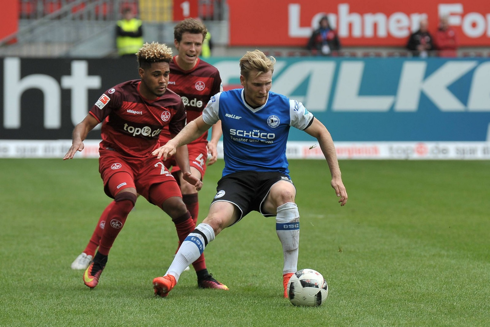02 10 2016 xtkx Fussball 2 Bundesliga 1 FC Kaiserslautern Arminia Bielefeld emspor v l Phil