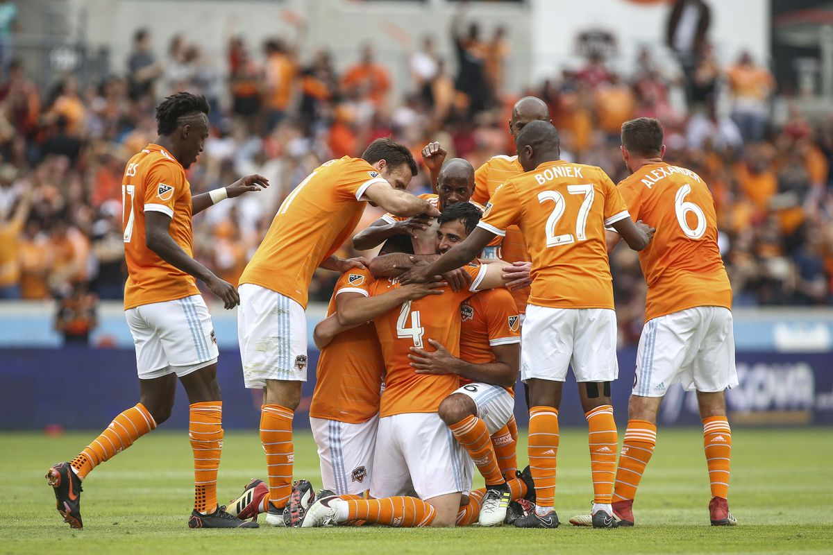 houston-dynamo-vs-los-angeles-fc-tip-bong-da-9-8-2018 2